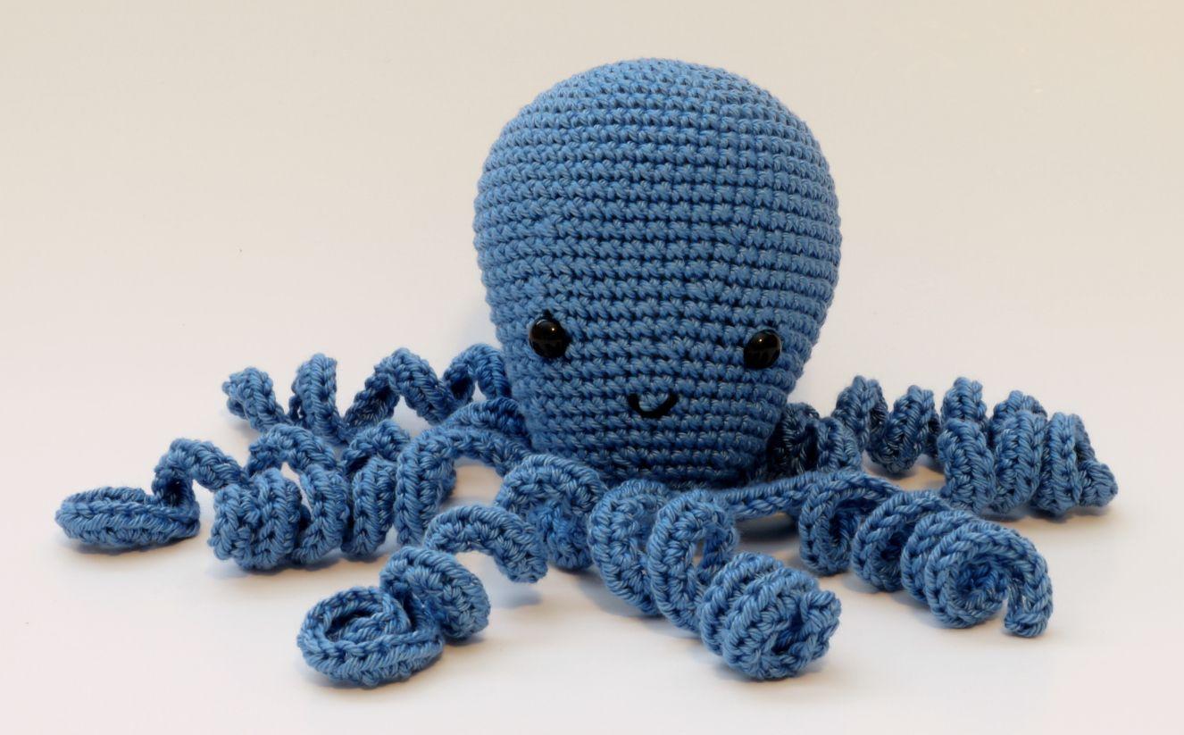 Easy Amigurumi Octopus : Amigurumi octopus pattern crochet lion brand yarn
