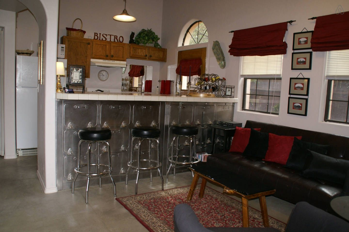U of A / Desert Poppy Guest House vacation rental in