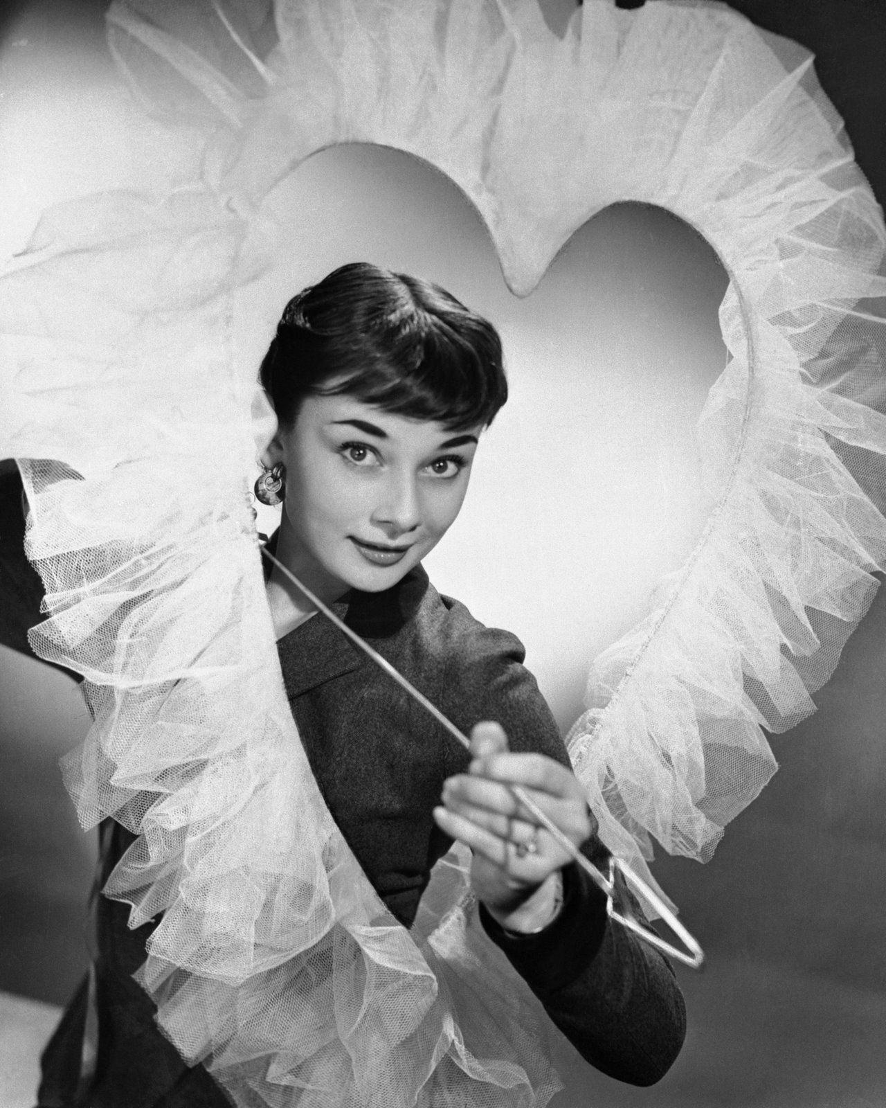 Valentine Hollywood Audrey | Audrey hepburn, Hepburn, Audrey hepburn born