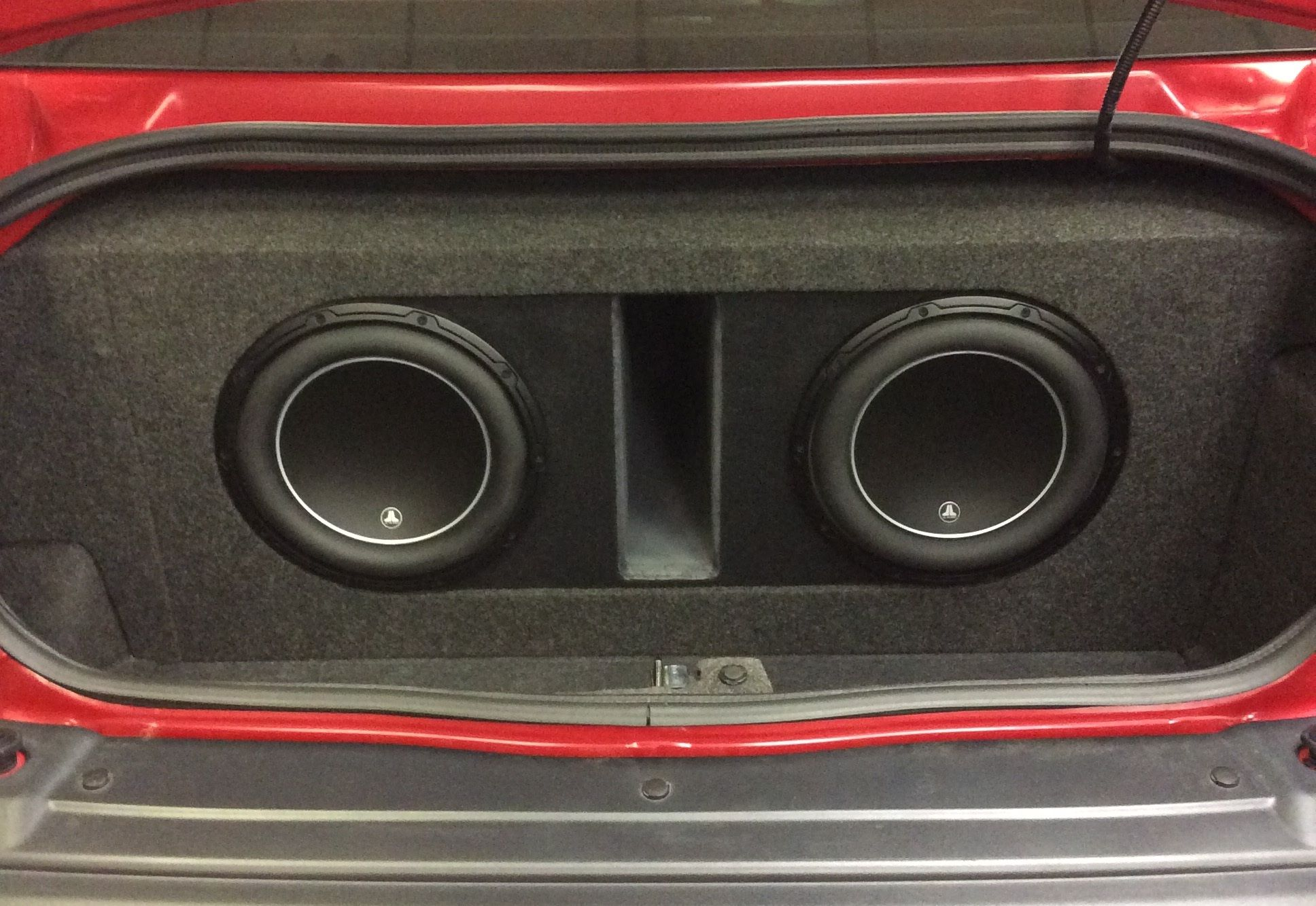 Massive Bass Comes From A Pair Of 12 Inch Jl Audio W6 Subwoofers Will Consistent Power To Both Maximizing Your Mounted In