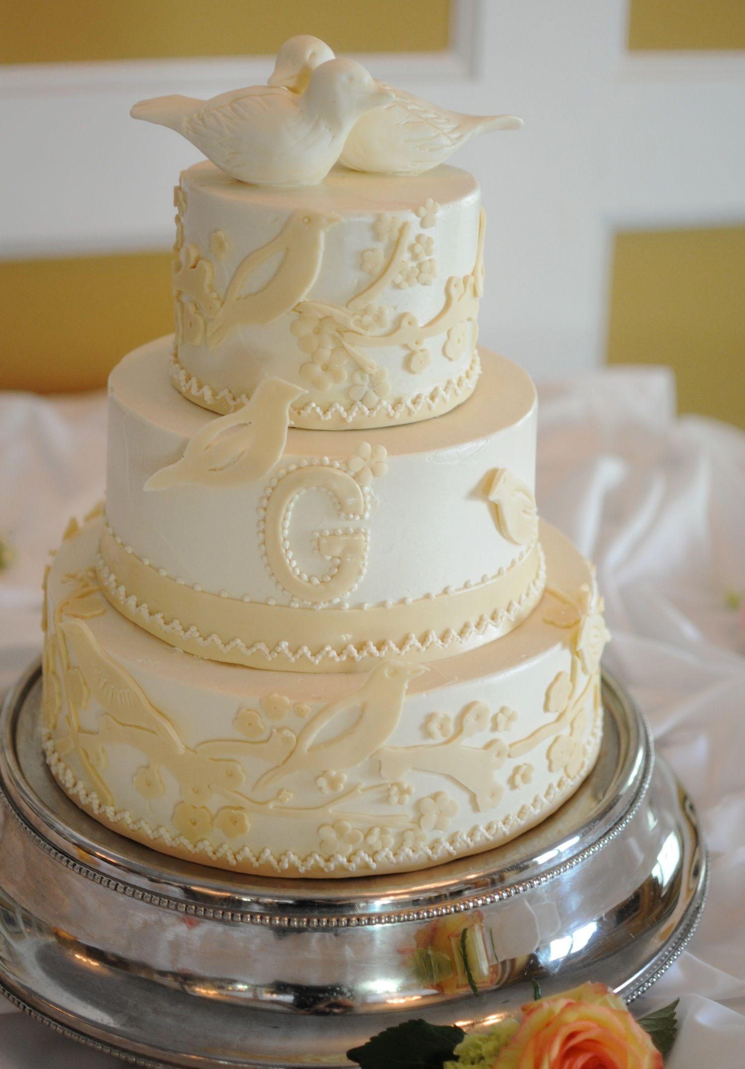 indian weddings inspirations ivory wedding cake repinned by indianweddingsmag indianweddingsmagcom