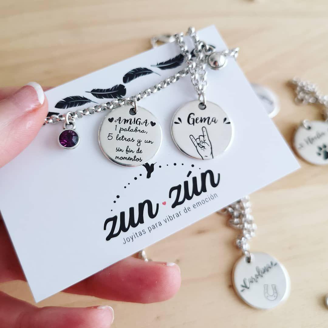 ᴸᴼˢ ᴳᴿᴬᴮᴬᴰᴼˢ ˢᴼᴺ ᴾᴱᴿˢᴼᴺᴬᴸᴵᶻᴬᴰᴼˢ Sí El Grabado Es Personalizado Por Lo Que Puedes Escribir Lo Que Quieras Sin Heart Charm Bracelet Tiffany Heart Heart Charm