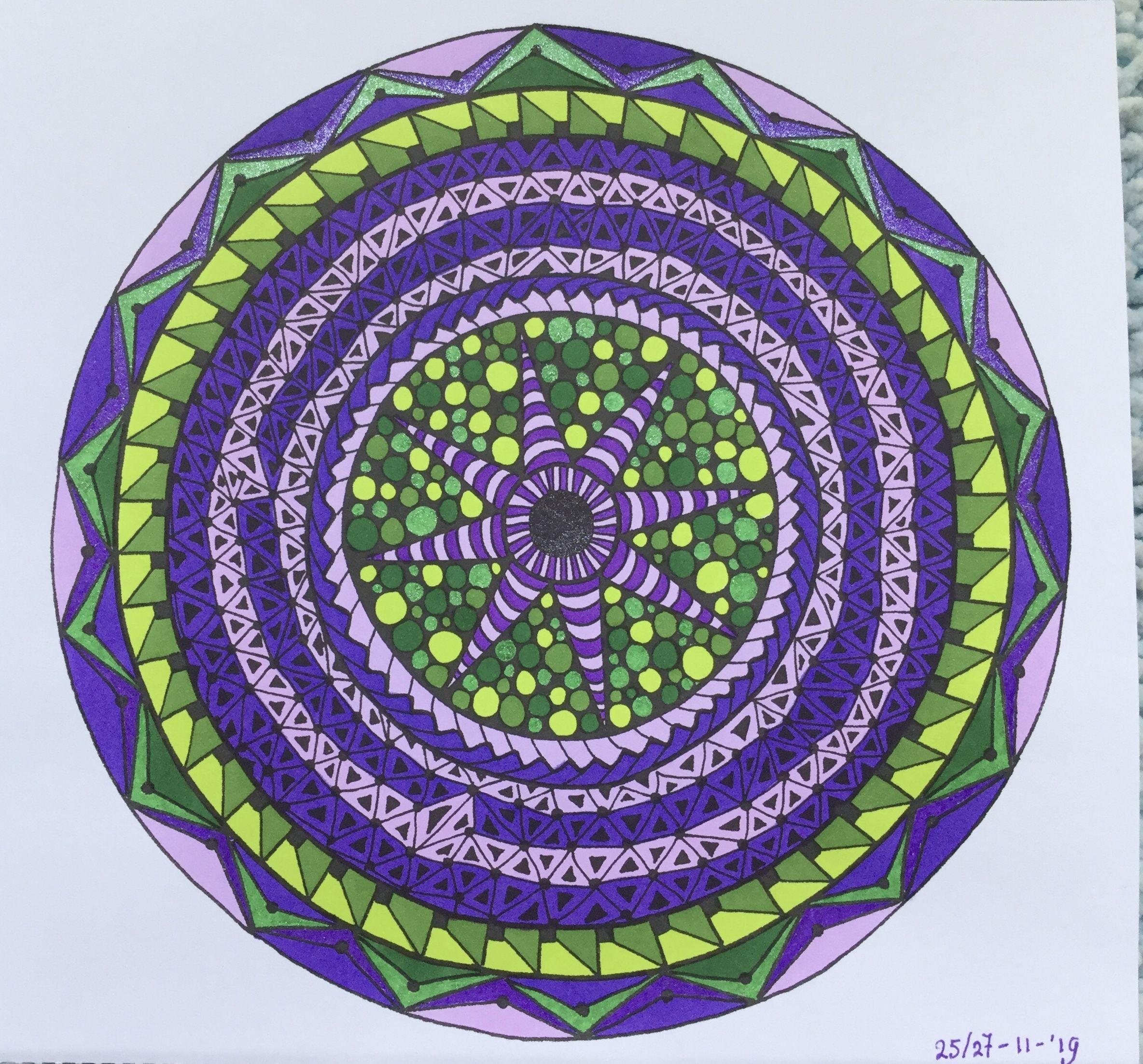 pin gea der wal op gekleurde mandalas kleurplaten
