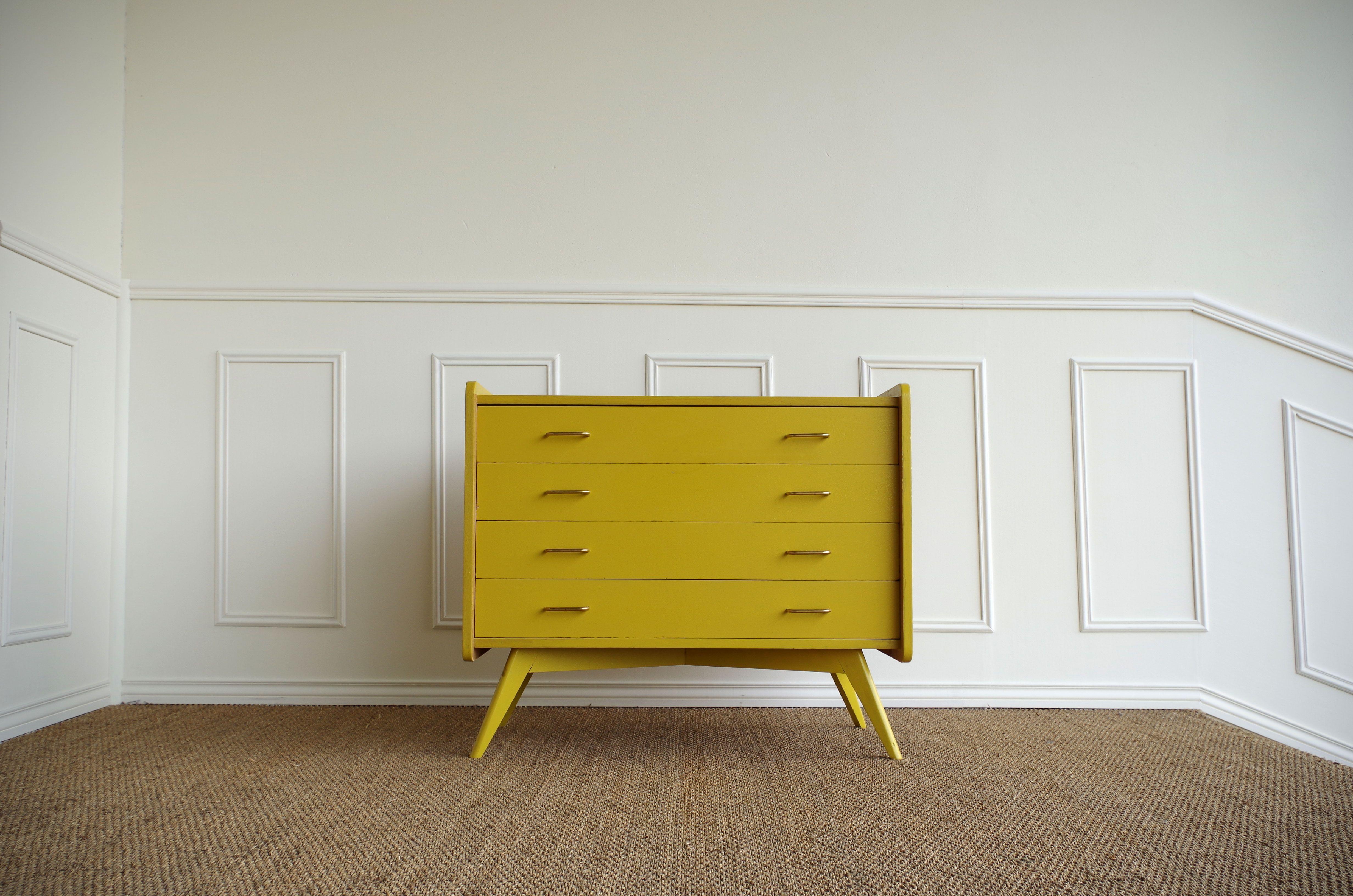 commode vintage chene massif idees deco chambre parents mobilier de salon meuble vintage