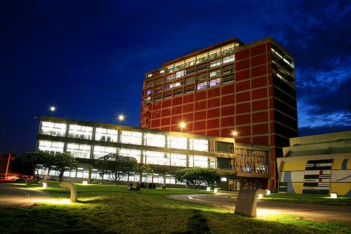 Fachada De La Biblioteca Central Ucv Venezuela Caracas