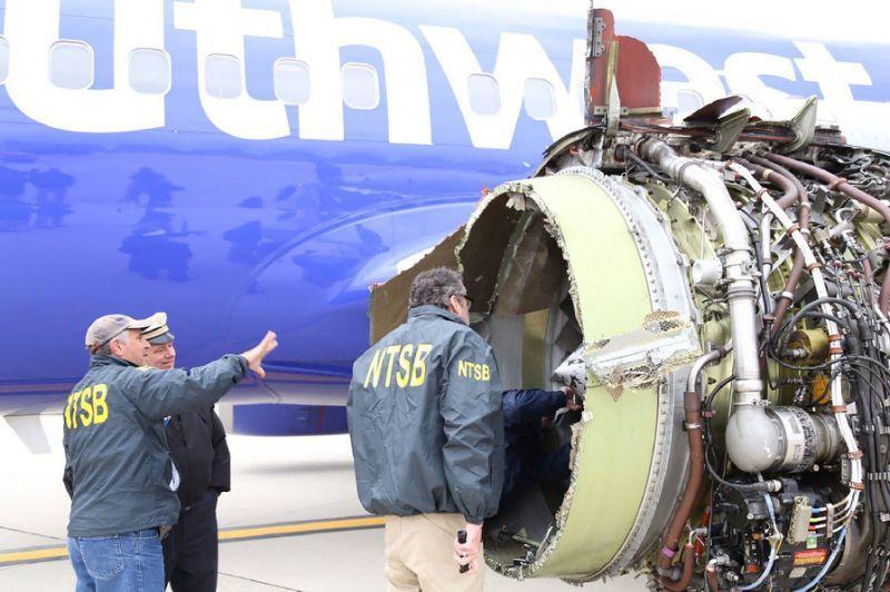 Pilot hailed as 'American hero' for landing stricken jet