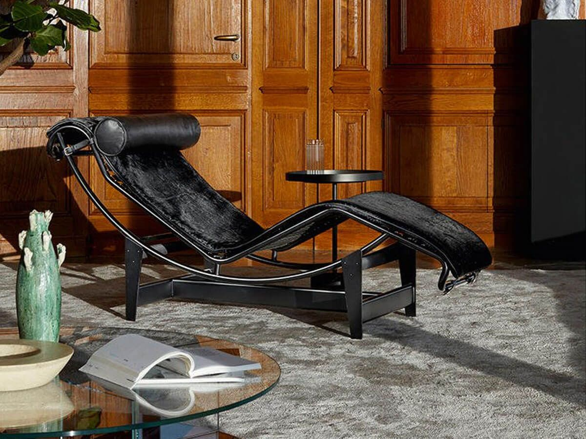 Lc4 Noire Chaise Longue By Cassina Modern Furniture Shops Eames Lounge Chair Chaise