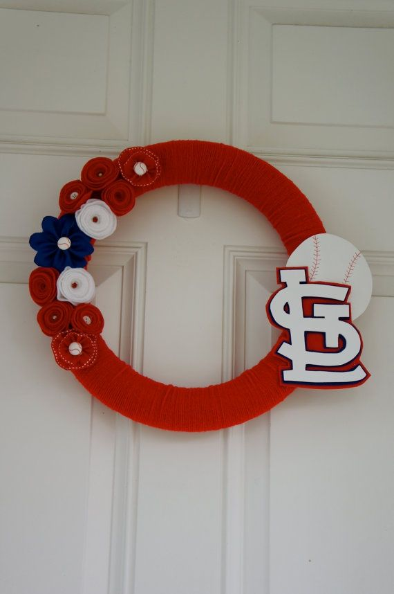 http://fashion-makeup1.blogspot.com - My newest wreath creation! St Louis Cardinals $30 on Etsy