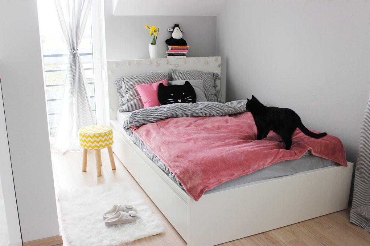 Moja Kolorowa Sypialnia Jasne Drewno Na Podłodze Biało