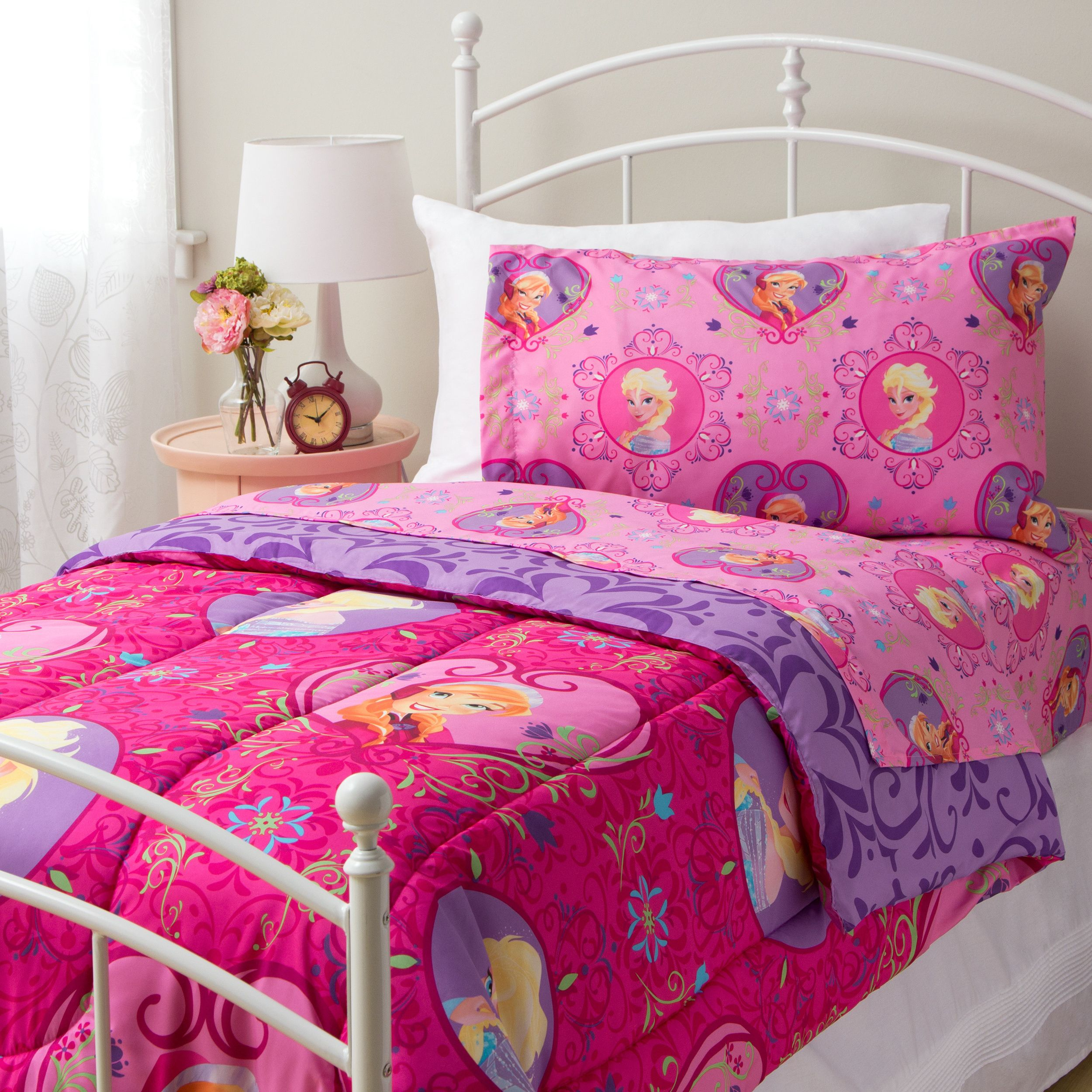 This Beautiful Twin-sized Comforter And Sheet Set Features