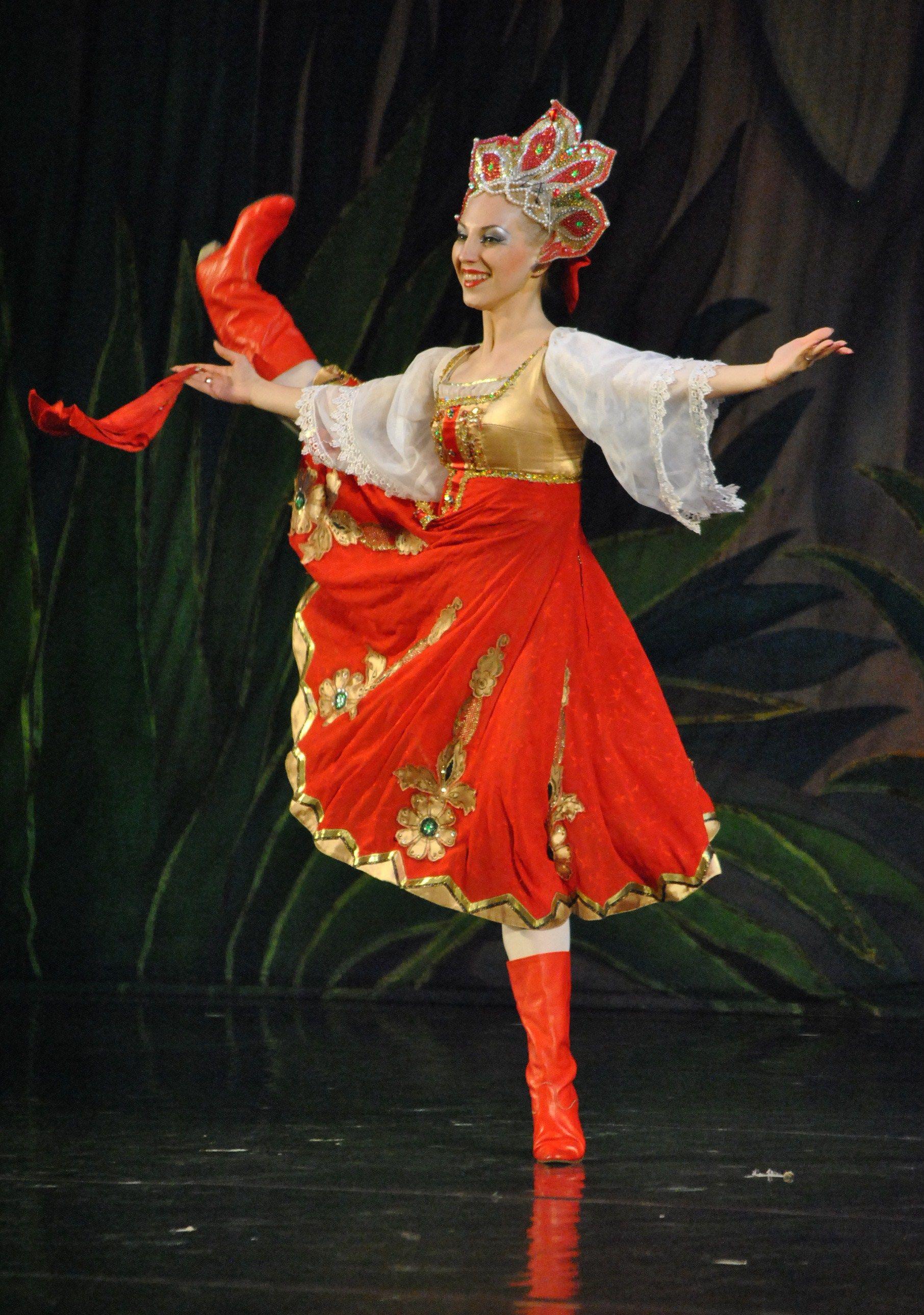 русский костюм для танца картинки подкожные