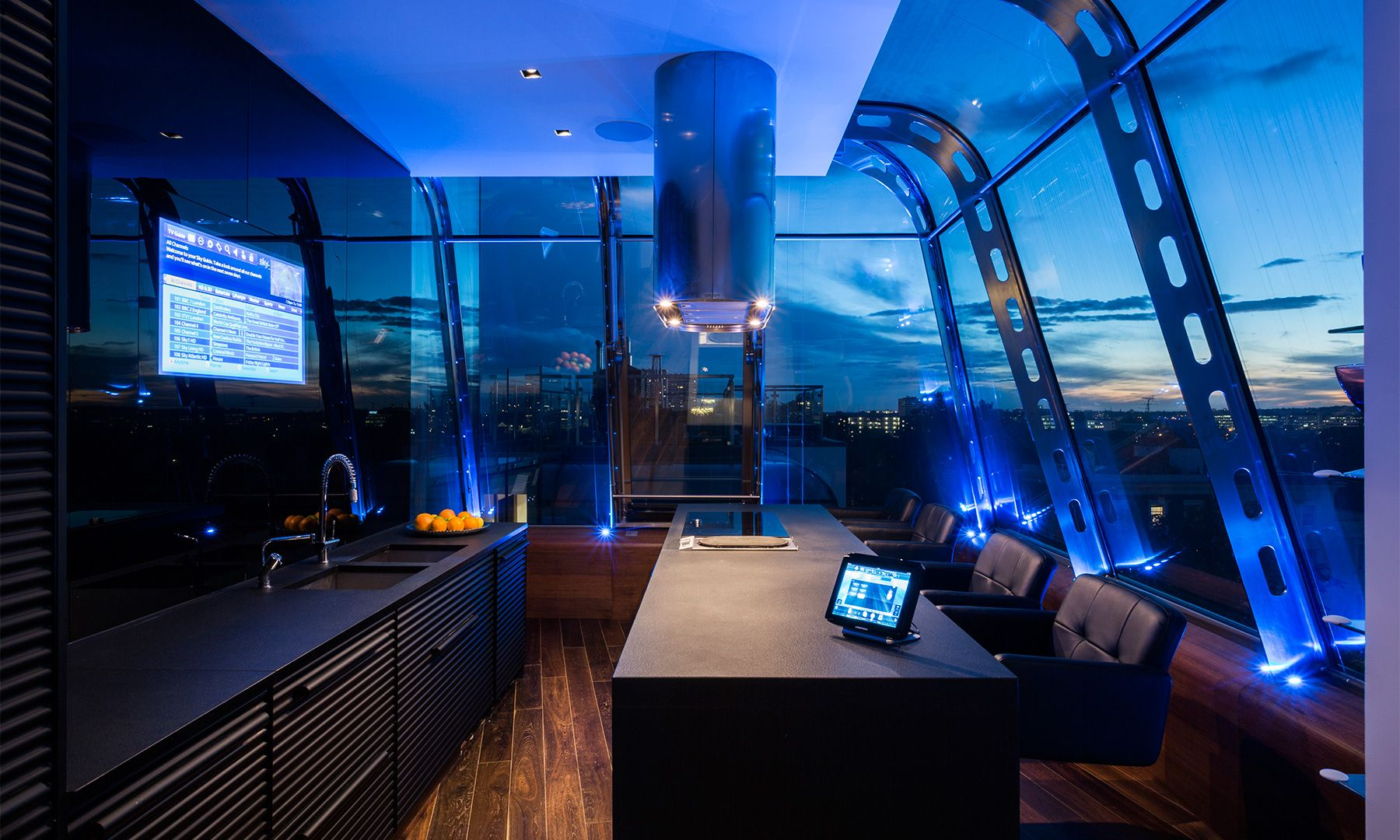 High Tech Homes And Smart Home Technology Dujour Smart Home Technology Design Tech Homes Home Technology