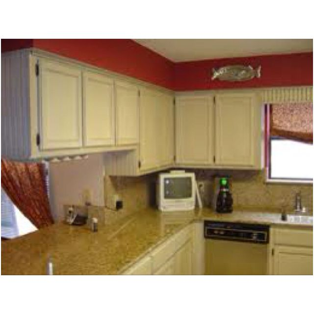 Red Oak Cabinets Kitchen: Red Walls An White Cabinets For Kitchen.