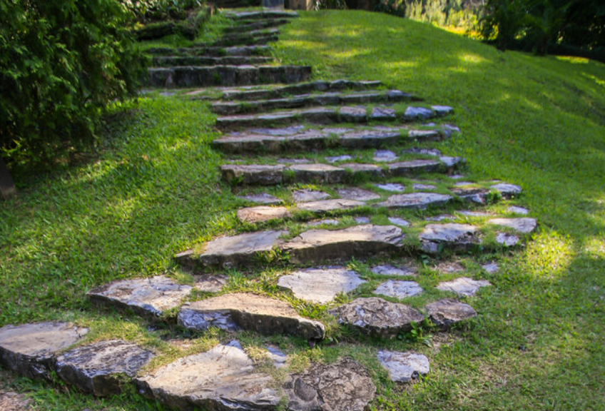 V di vialetti da giardino idee per sentieri for Pietre da giardino