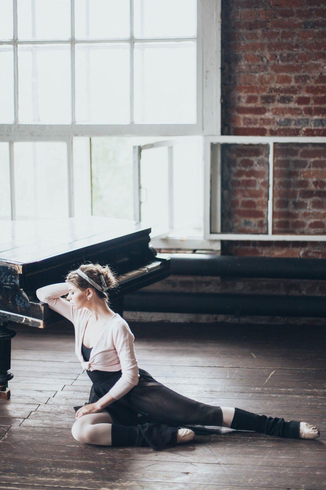 Балерины у станка в эротических позах фото — pic 6
