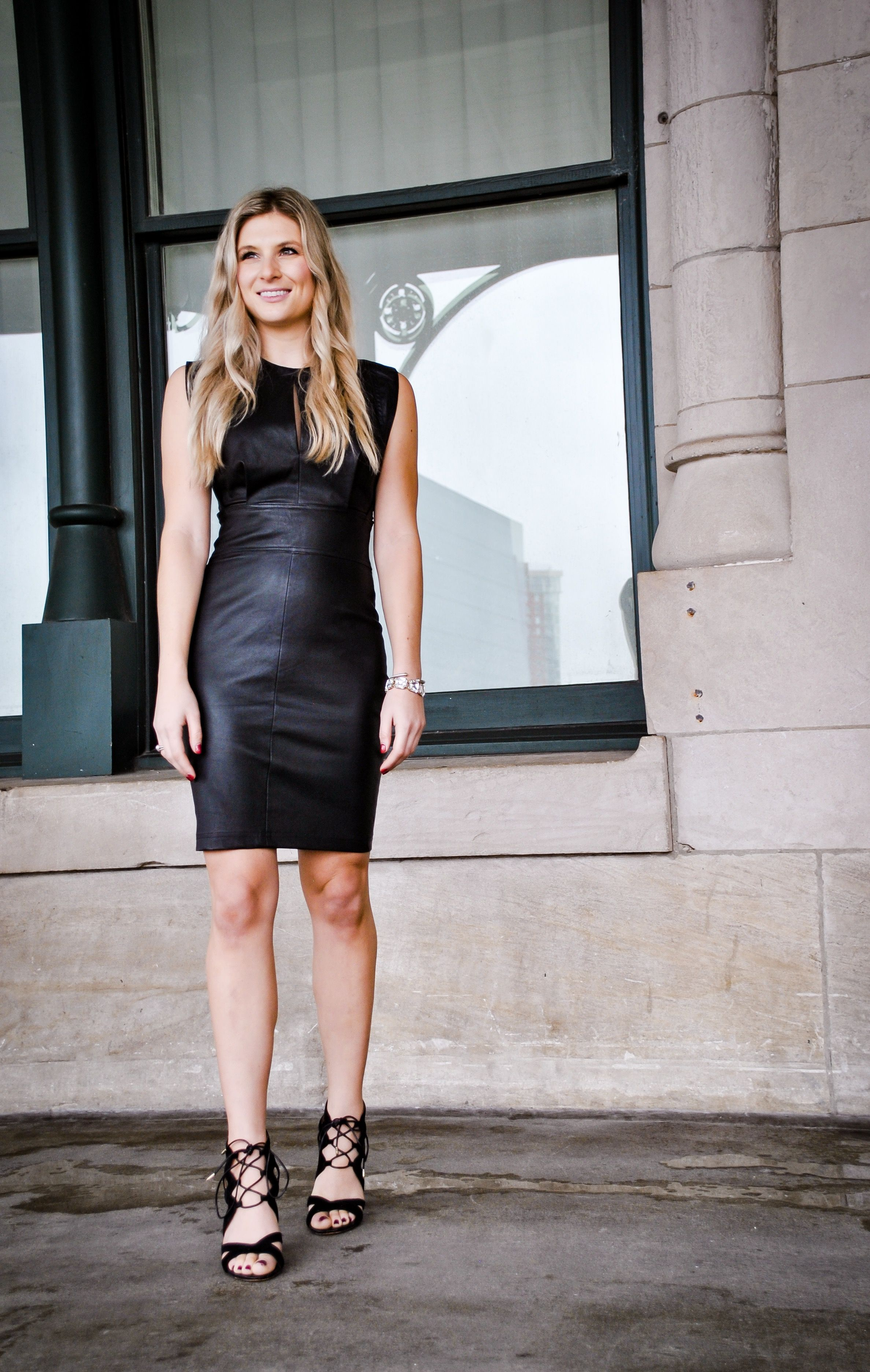 Leather Dress Sheath Nye Outfit Robert Rodriguez Leather Dresses Leather Leggings Look Fashion [ 3745 x 2375 Pixel ]