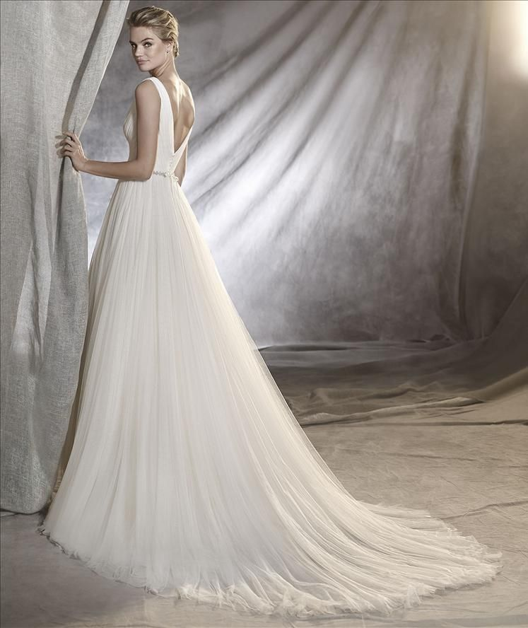 Odona By Pronovias Wedding Dresses Milton Keynes Size 14 Was 1670 Now 835 Wedding Dresses Online Wedding Dress Bridal Wedding Dresses