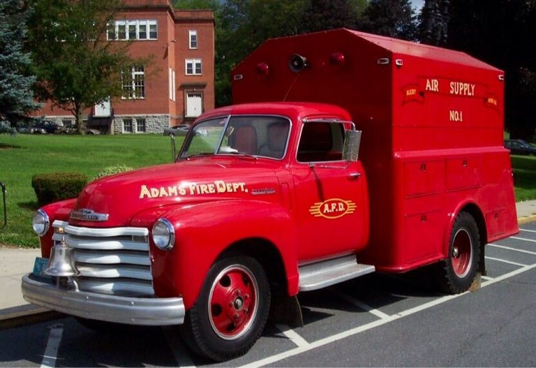 us Adams,MA GMC Utility truck 1948   Remarkable retired emergency