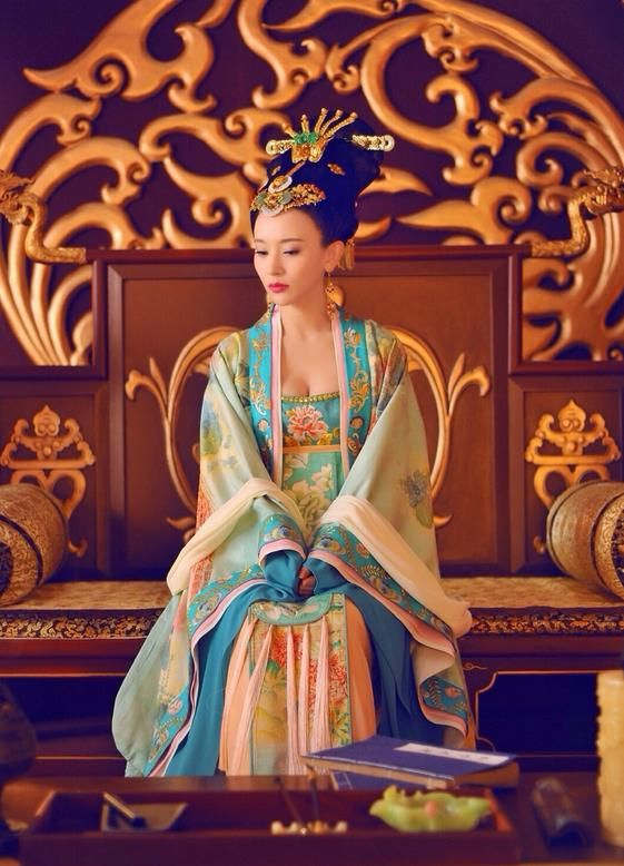 21d5b48ec Traditional Ancient Chinese Imperial Concubine Costume and Headpiece  Complete Set, Elegant Hanfu Clothing Chinese Tang Dynasty Palace Lady  Embroidered Dress ...