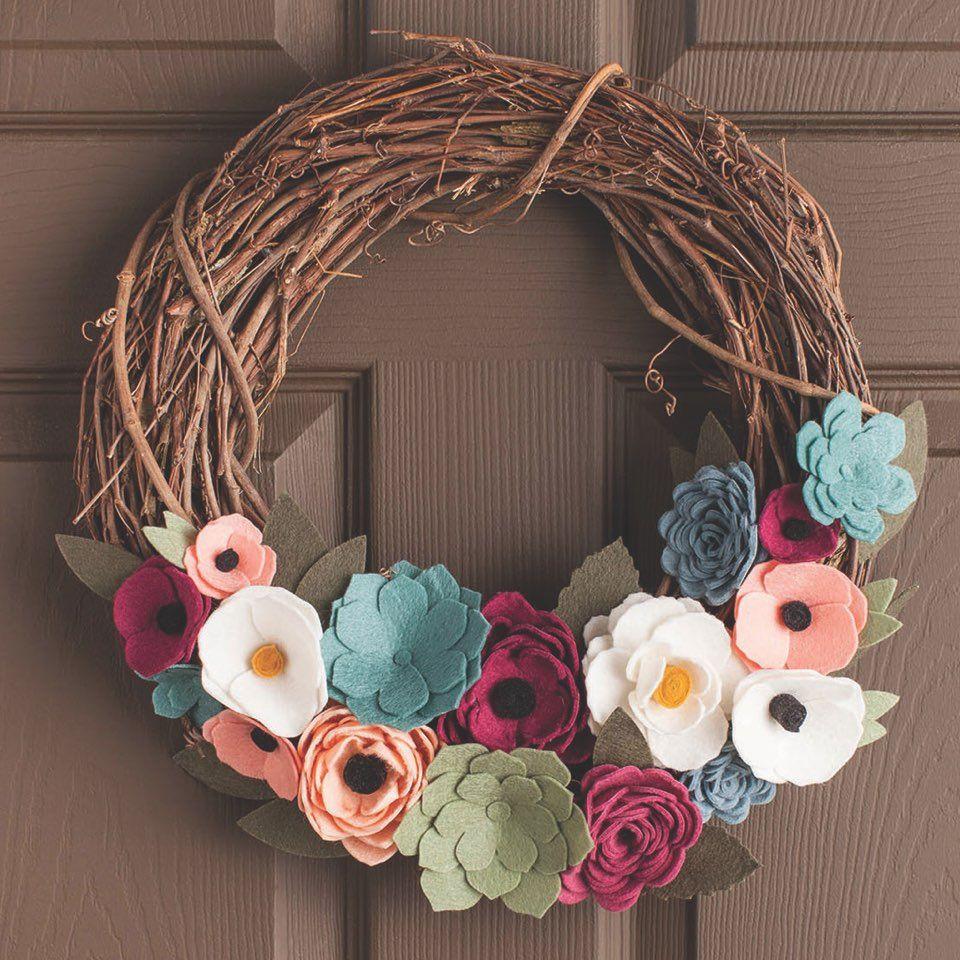 Photo of How To Make A Felt Flower Wreath