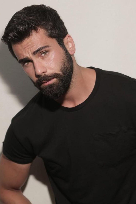 Vandyke Beard Style Men Men S Beard Styles 2020 In 2020 Beard Styles Trending Beard Styles Professional Beard Styles