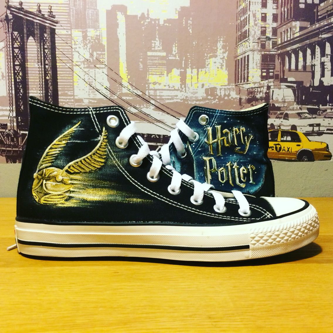 f3f43e3929605b Harry Potter handmade sneakers! Love it! These are mine! Made by   pimpamcreations