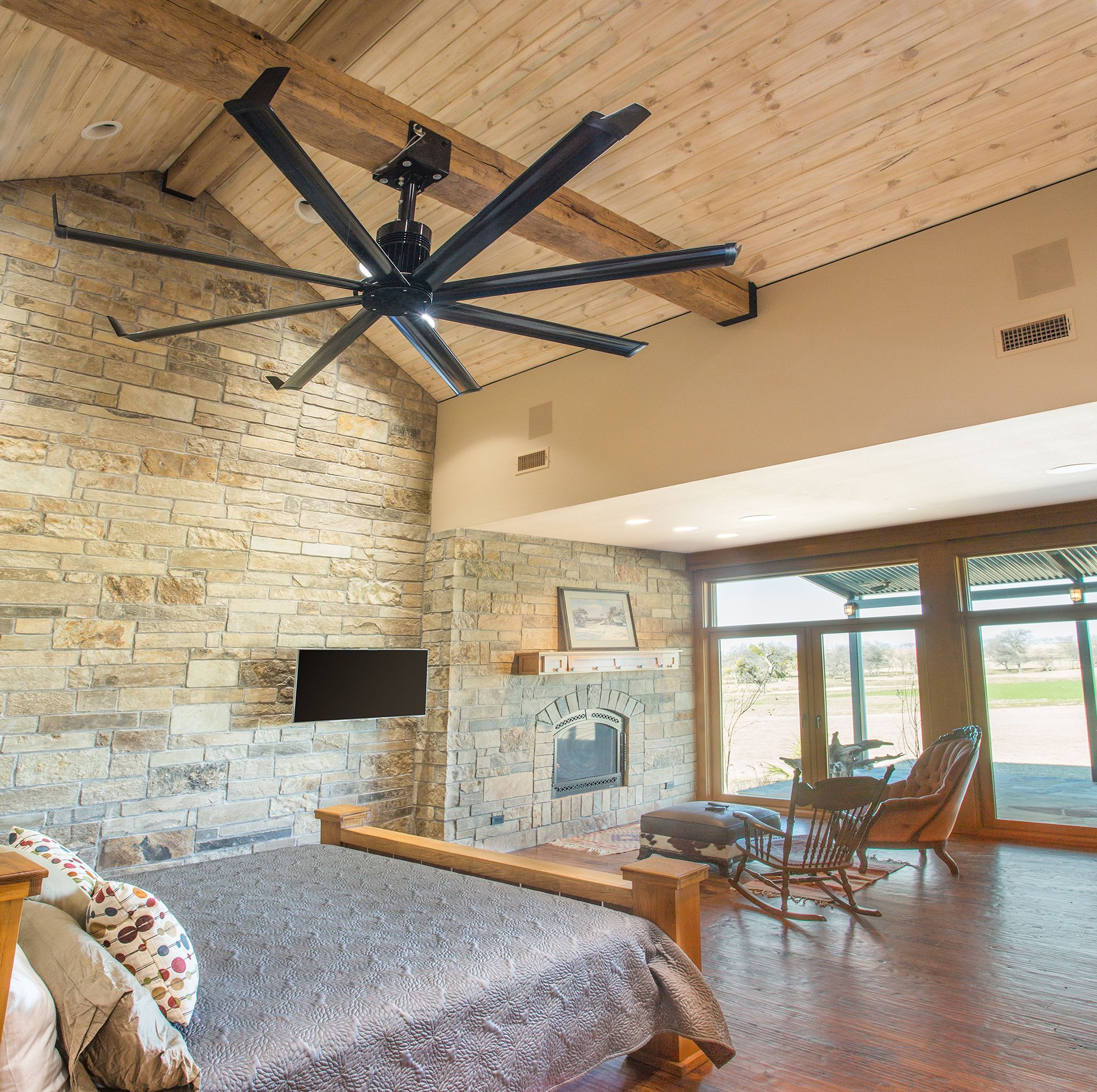 Isis ceiling fan at the Texas residence of customer Jim M
