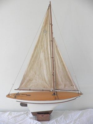 """Early """"Arctic Star"""" model by Star Yachts of Birkenhead Pond Yacht Antiques"""