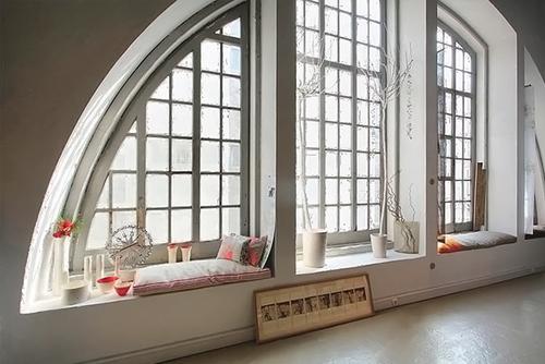 Unique window design.