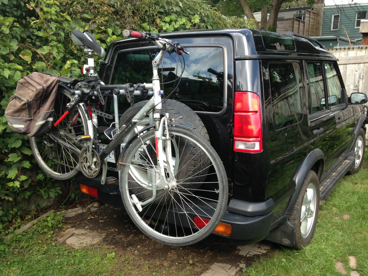 Thule spare me 963xtr tire mounted bike rack on a disco land rover forums