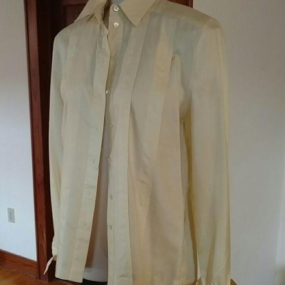 eef7aad6faf186 Liz claiborne silk blouse sz 2 Liz Claiborne silk blouse in sz 2. Soft  yellow Liz Claiborne Tops Blouses