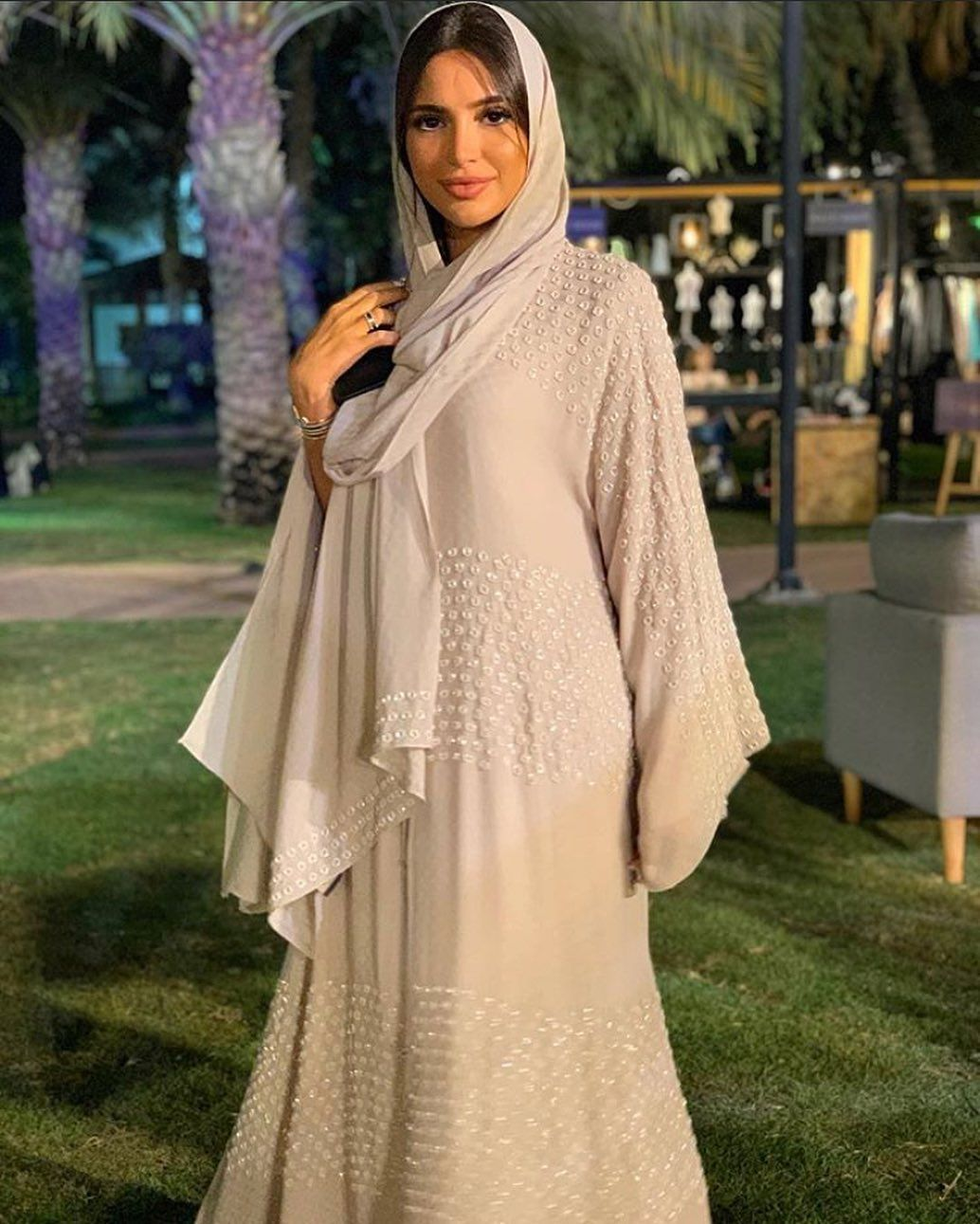 The Trends Ksa On Instagram مره بسيطة و تجنن Abayas Fashion Hijab Fashion Hijabi Outfits Casual