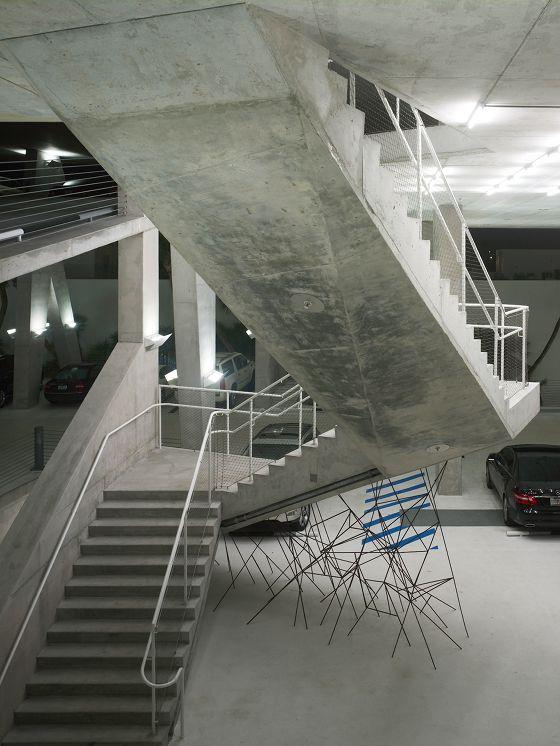 Treppenhaus architektur  Moderne Parkhaus Architektur | Parkhaus, Architektur und Parkplätze