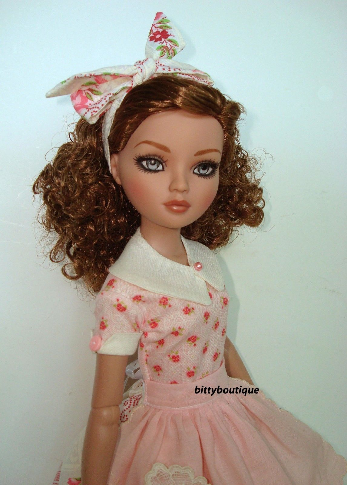 New 50 39 S Style Dress Outfit For Ellowyne Skirt Top Apron Ebay Bittyboutique Dolls Tonner