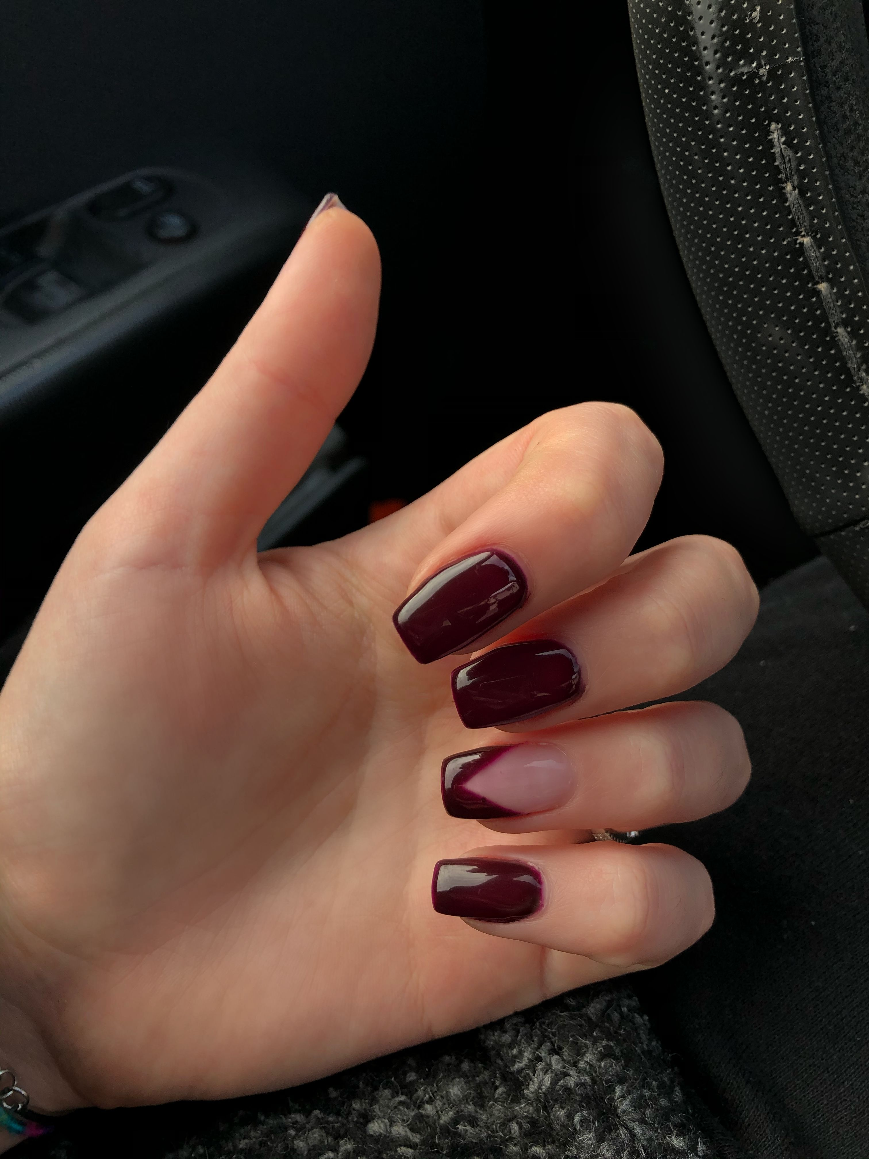 Burgundy Squared Nails In 2020 Short Square Acrylic Nails Burgundy Acrylic Nails Maroon Acrylic Nails