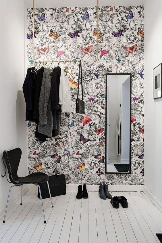 Du papier peint pour embellir votre entrée   Descente escalier ...
