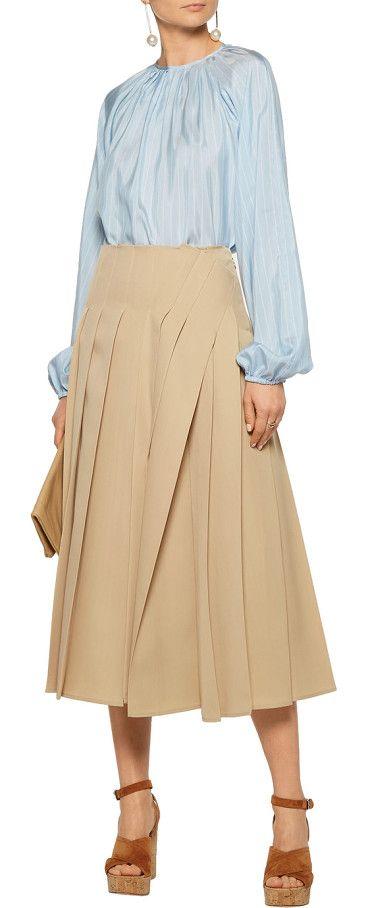 pleated wool midi skirt by Rochas. Rochas sand skirt. Wool . Pleated, side split. Zip fastening along side. 100% wool . Dry clean . Made in Italy #rochas #skirts
