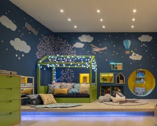 Quarto com parede azul babys decoracion habitacion for Decoracion habitacion infantil montessori