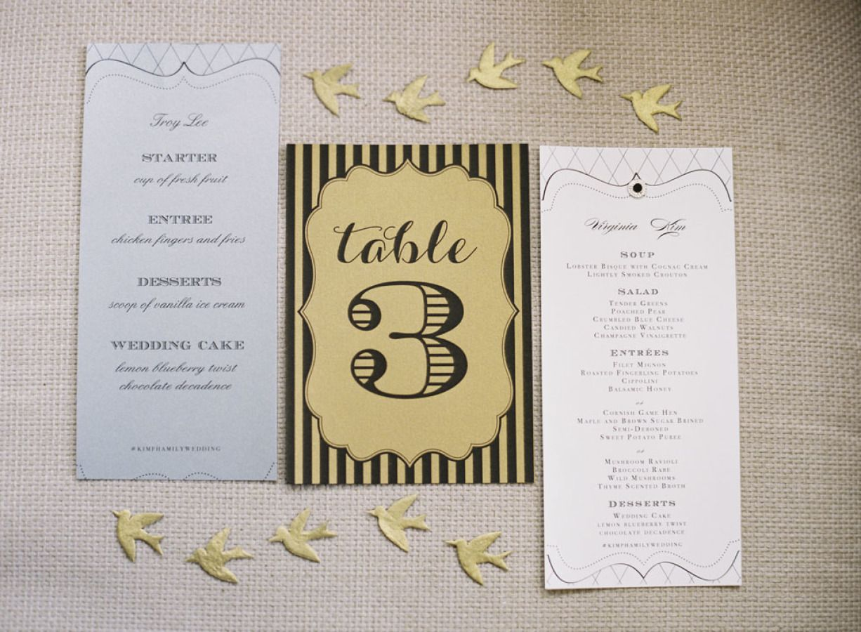 Black wedding stationery for an elegant wedding | fabmood.com