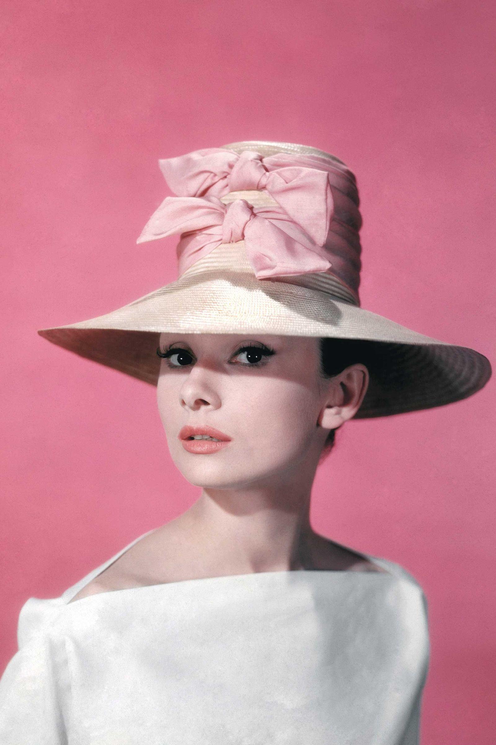 The 44 Most Glamorous Photos of Audrey Hepburn | Pinterest | Audrey ...