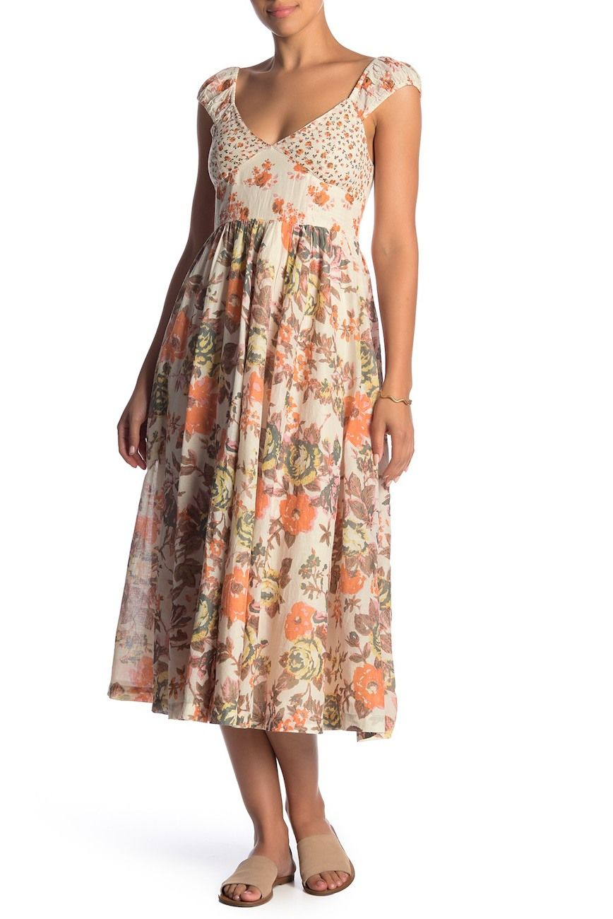 Floral Midi Dress Summer Outfit Ideas Summer Vacation Style Hawaii Street Style Shop My Closet As Fit Flare Dress Nordstrom Dresses Midi Dress Summer [ 1300 x 868 Pixel ]