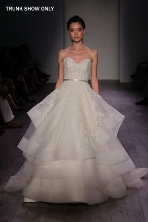 Lazaro Sweetheart Princess/Ball Gown Wedding Dress  with Natural Waist in Organza. Bridal Gown Style Number:3601TRUNKSHOW