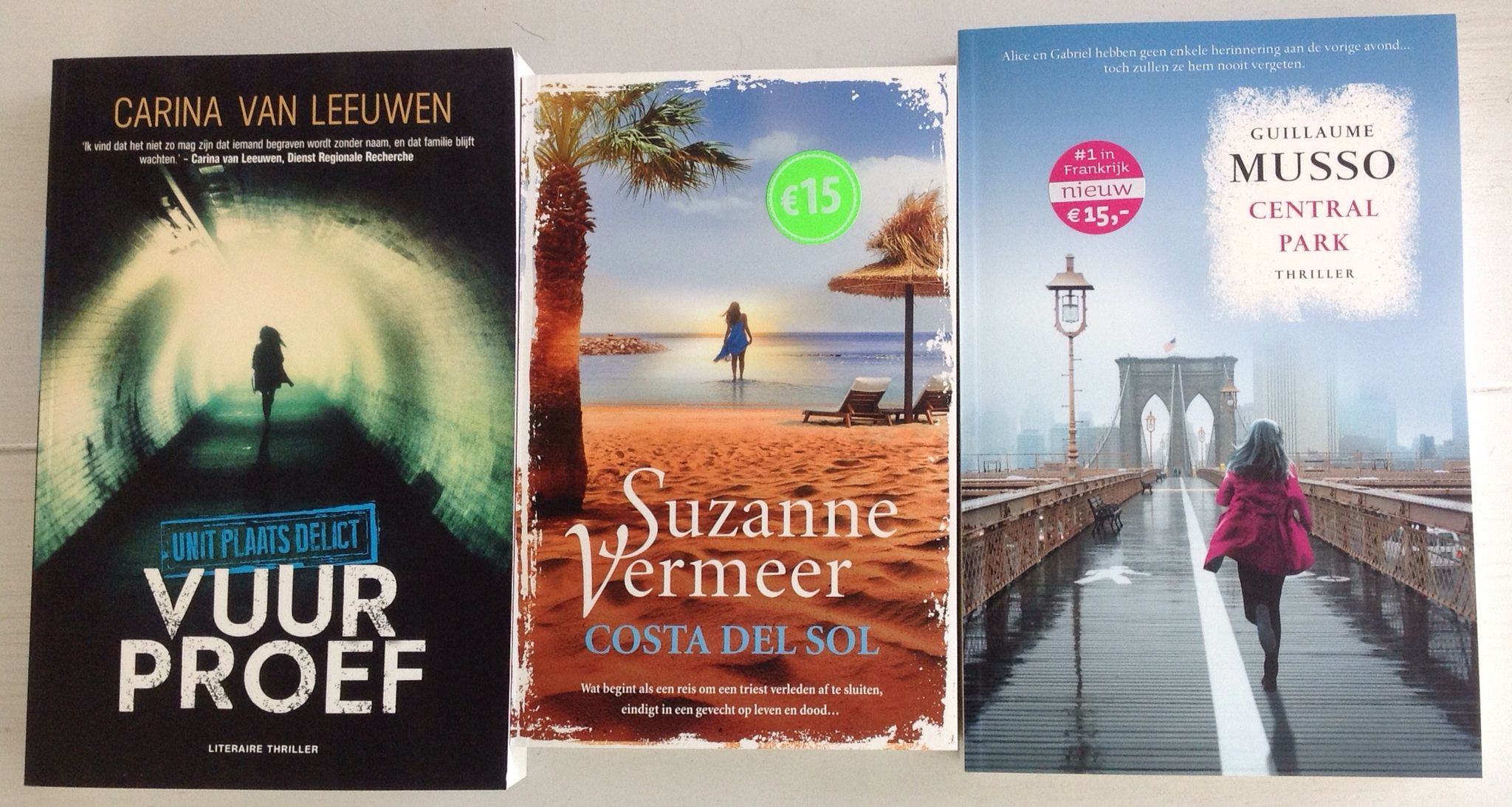 Gesponsord door Uitgeverij A.W. Bruna met deze drie thrillers voor mijn Minibieb Shyama in Boekenland Blij en dankbaar :-)  Little free library