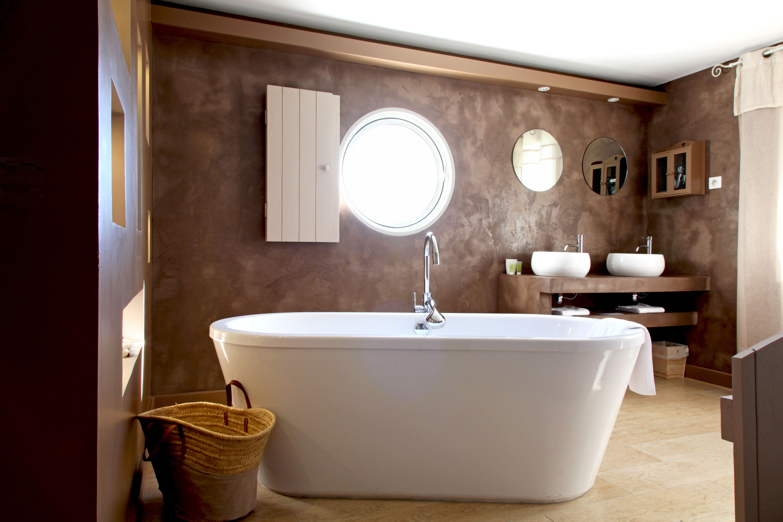 Salle de bains chocolat | Idées pour la maison | Carrelage salle de ...