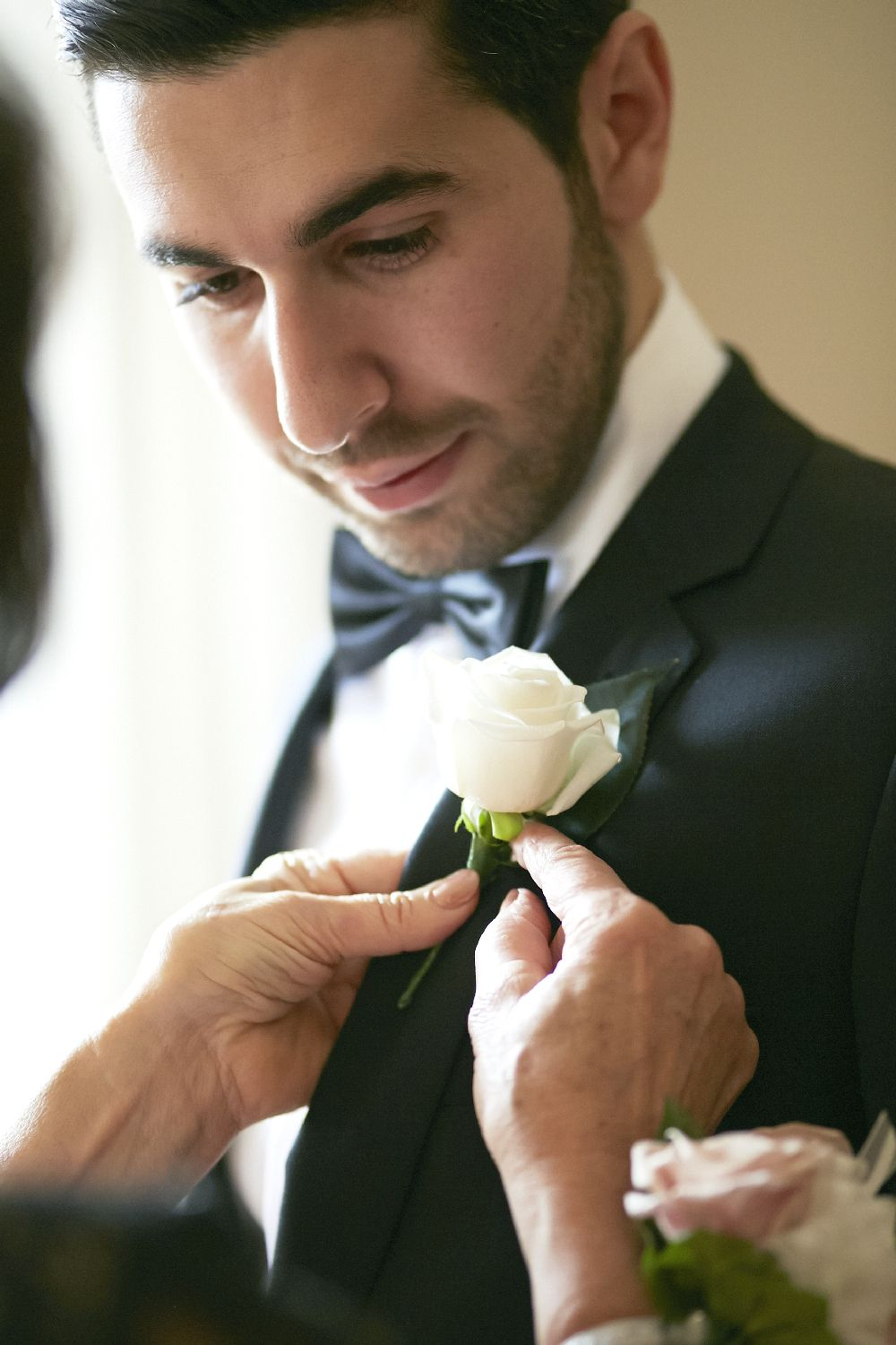 White Rose Boutonnieres | itakeyou.co.uk
