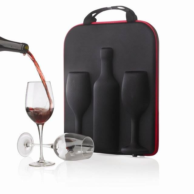 Nice traveling bag for wine and glasses