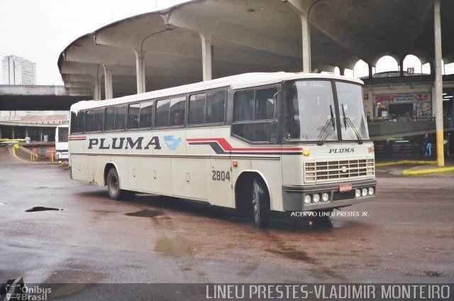 Ônibus da empresa Pluma Conforto e Turismo, carro 2804, carroceria Nielson Diplomata 350, chassi Scania S112
