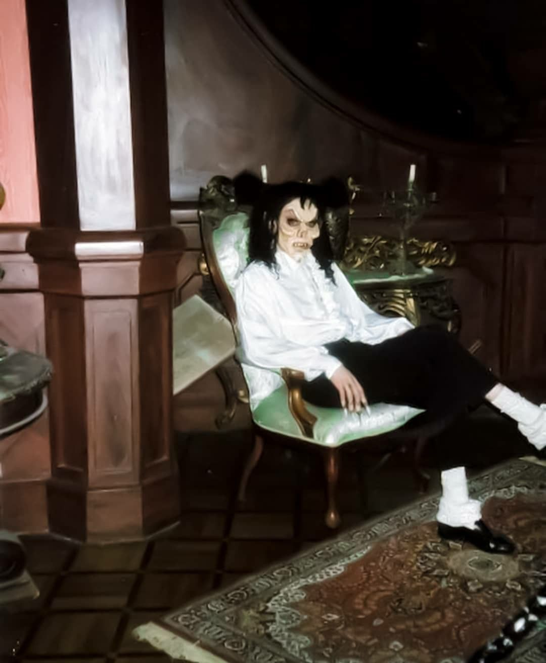 Michael Jackson Rtt If Anyone Is Wondering Why He S Sitting In A Chair It S Michael Jackson Michael Jackson Dance Michael Jackson Pics