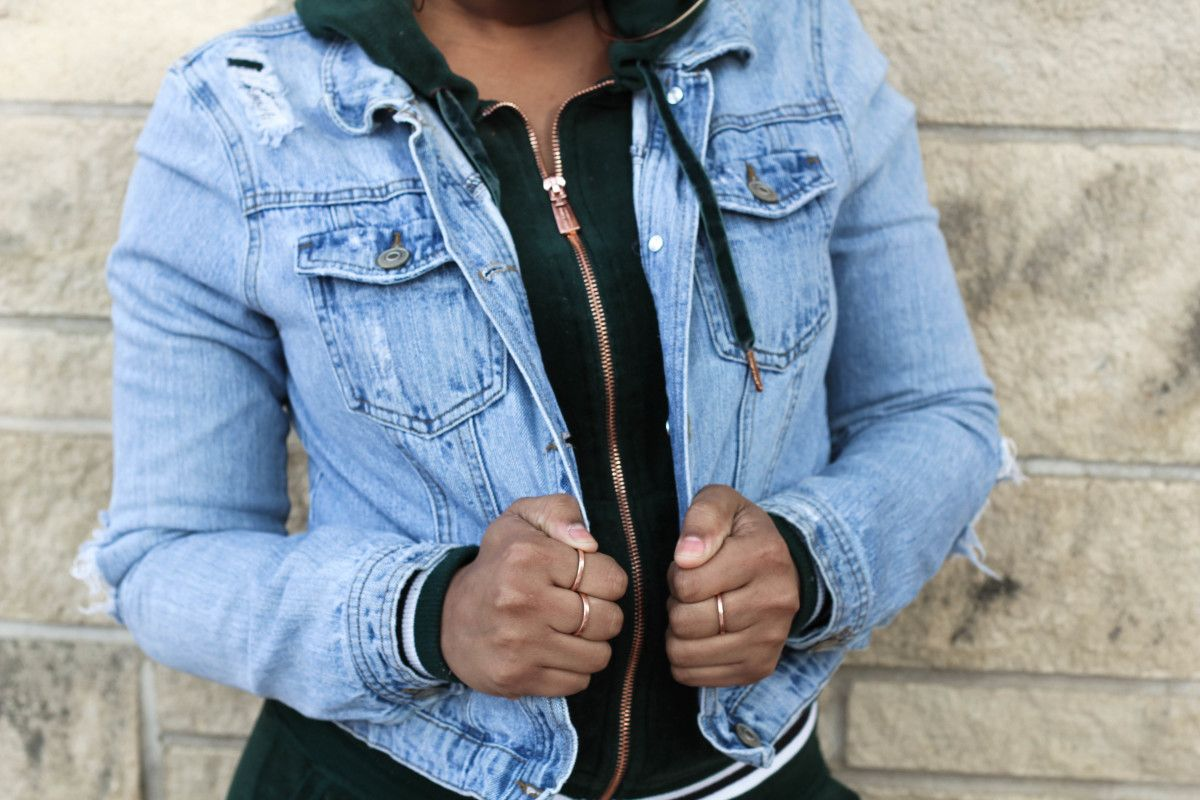Chaunice S Emerald Velour Tracksuit Hoodie With A Rosegold Zipper Is Grungier With Her Light Denim Jacket Over The Top Velour Tracksuit Tracksuit Sweatsuit [ 800 x 1200 Pixel ]