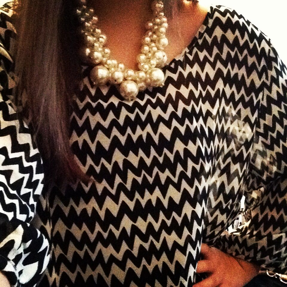 chevron top with pearl bunch necklace.